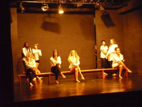 spectacle_danse_01_12_2011.jpg