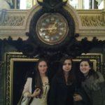 Coraline, Amélie et Eléonore à l'intérieur du Palais Garnier
