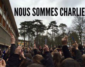 Hommage des élèves aux victimes de l'attentat du 7 janvier 2015