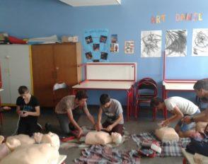Formation aux premiers secours pour des élèves en option EPS