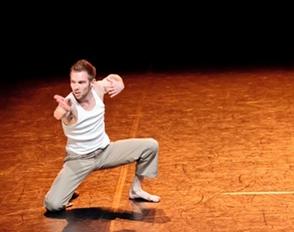 Le danseur Vincent Delétang pour accompagner les élèves dans une démarche de création